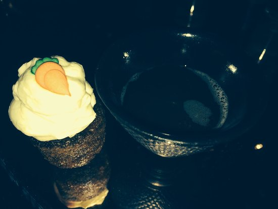 Salvatore's Bar at Playboy Club London : Carrot cake and spice tea