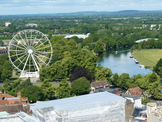 วินด์เซอร์, UK: Alexandra Gardens viewed from the top of the tower at Windsor Castle
