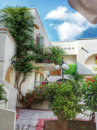 Nissia Kamares Hotel Apartments: sitting outside apartment