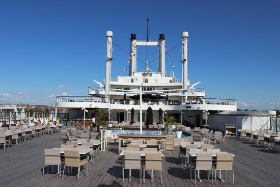 SS Rotterdam : Sundeck with terrace and swimming pool