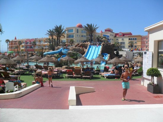 Evenia Zoraida Park: Slides - Pool