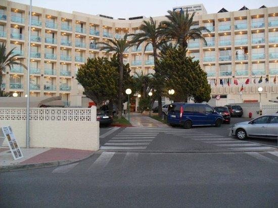 Evenia Zoraida Park: Front Of Hotel
