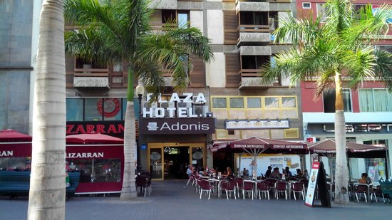 Hotel Adonis Plaza : esterno