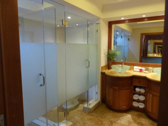 BodyHoliday Saint Lucia : Luxury Ocean Front Room - bathroom