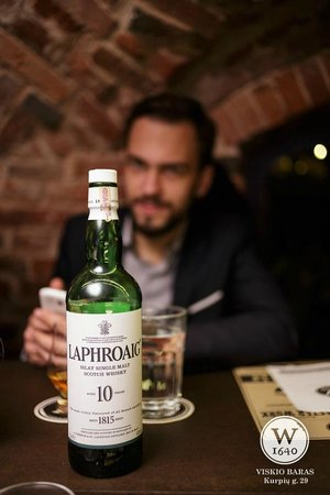 Whisky Bar - W1640: Laphroaig