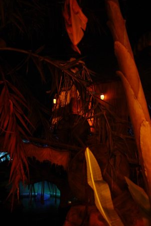Blue Lagoon Restaurant - Disneyland Paris : Blue Lagoon Restaurant
