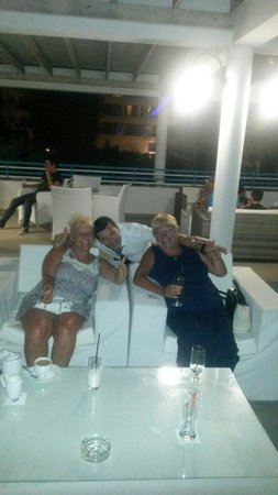 Iliada Beach Hotel: My wife and pauline with makis