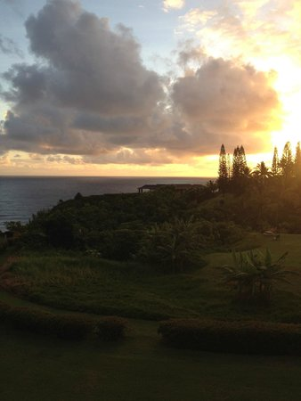Cliffs at Princeville: Sunrise View from the Lanai
