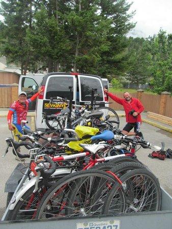 Radium Park Lodge : départ en minibus le lendemain matin, reposés et décontractés !