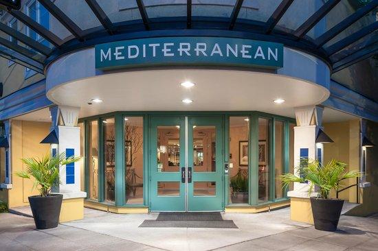 Mediterranean Inn: Hotel Entrance