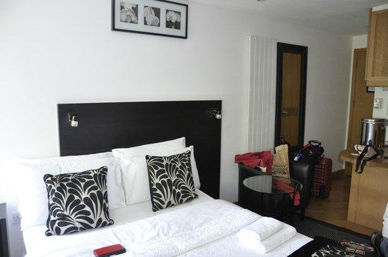 Studios2Let Serviced Apartments - Cartwright Gardens: Room 27 top floor