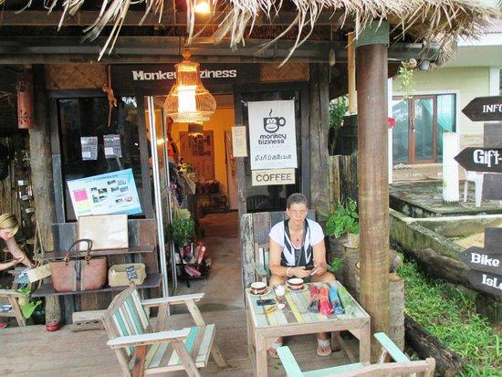 Monkey Biziness Cafe - Koh Lanta : den bedste kaffe på Ko Lanta