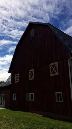 Patchwork Quilt Inn : Beautiful Barn