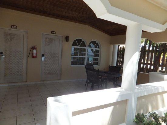Mayan Princess Beach & Dive Resort: our beach front room