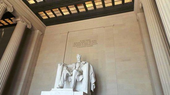 Lincoln Memorial: Bigger than you think!