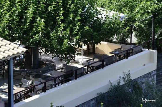 Agrabeli Apartments : το καφέ όπου σερβίρεται το πρωινό