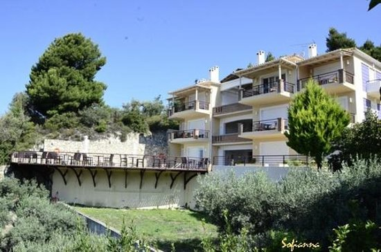 Agrabeli Apartments : γενική άποψη