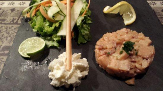 Le Lapon : Tartare saumon..