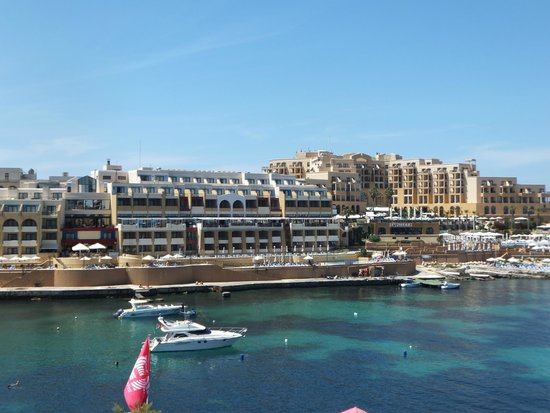 Marina Hotel Corinthia Beach Resort: Marina and Corinthian hotels