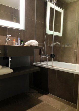 Novotel Leeds Centre : Bathroom