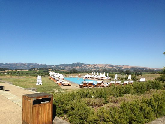 Carneros Resort and Spa: Poolside