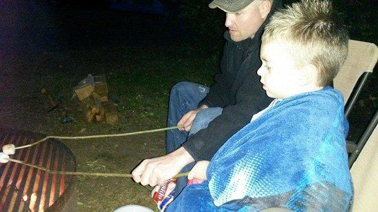Fort Stevens State Park: Roasting Marshmellows