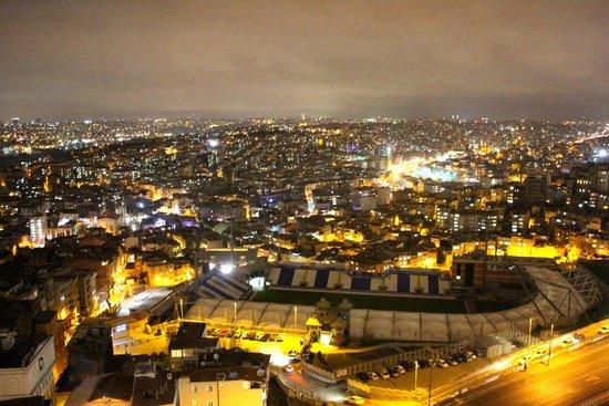 The Marmara Pera Hotel : Ночной Стамбул