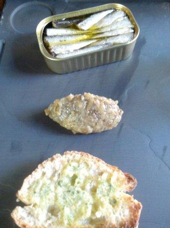 Cafe Epicerie: Sardines à l'huile d'olive