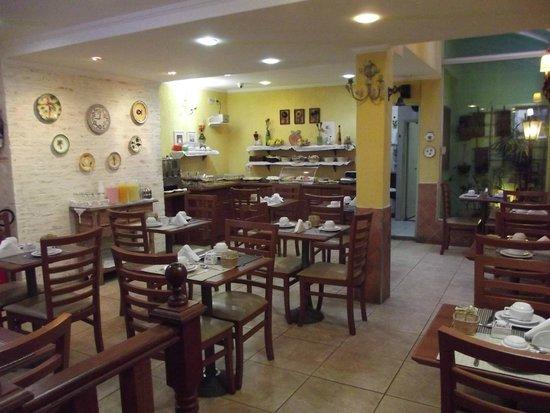 Hotel Pousada Valparaíso : Sala de café