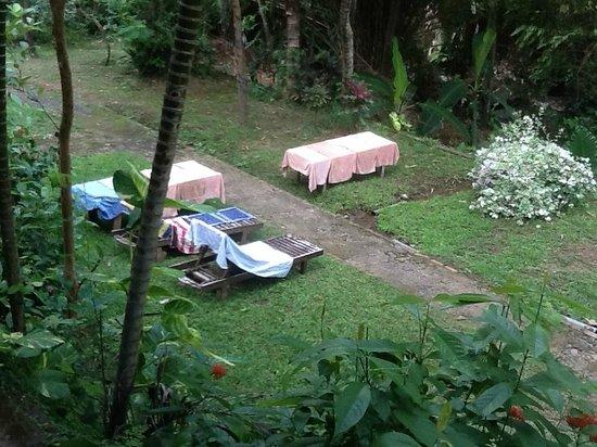 Grya Sari - the Bali Hot Springs Hotel : Laundry dryer