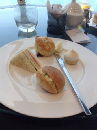 Le Meridien Mina Seyahi Beach Resort and Marina: Afternoon Tea