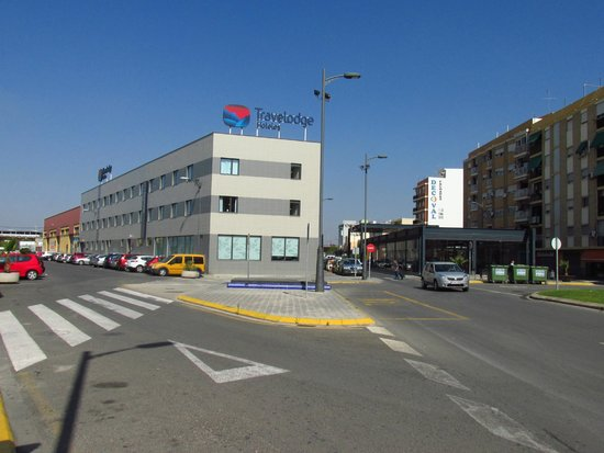 Travelodge Valencia Aeropuerto: hotel do exterior