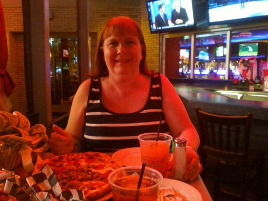 PBR Rockbar & Grill: enjoying dinner outside