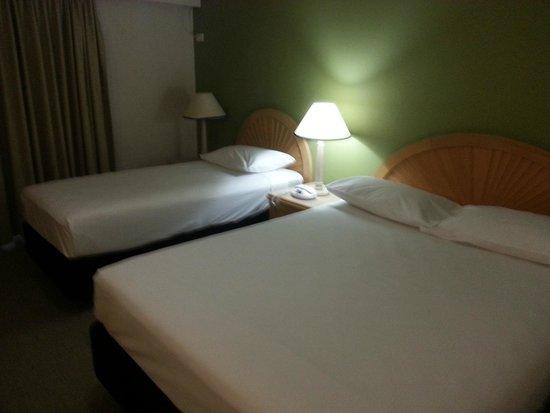 Ibis Styles Cairns: Room
