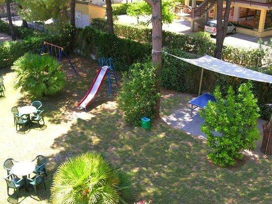 Mirage Hotel: Ping pong, scivolo e altalena