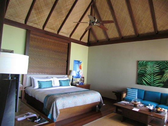 Taj Exotica Resort & Spa: Quarto, grande e com decoração impecável