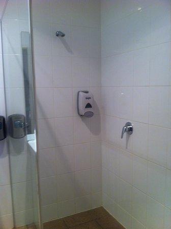 The Manna of Hahndorf: Tight bathroom