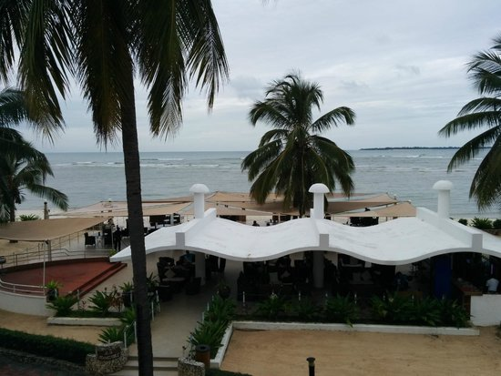 Kunduchi Beach Hotel And Resort: View in the afternoon