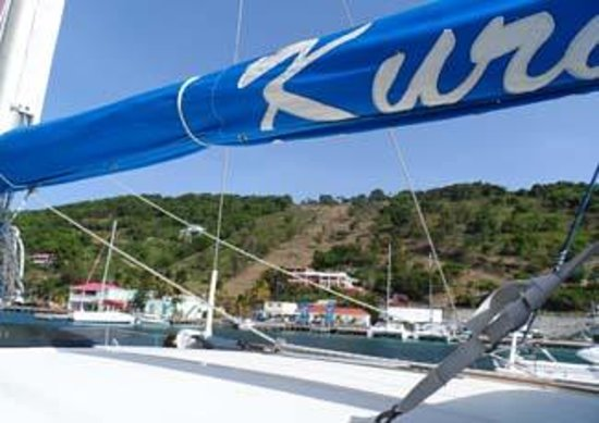 Kuralu Private Catamaran Charters : sailing  home