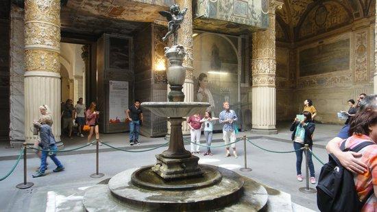 Museo di Palazzo Vecchio: Fonte em um dos pátios do Palazza Vecchio.