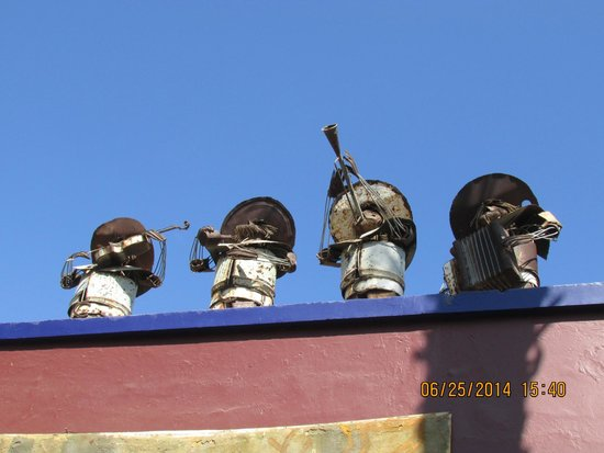 Cabo San Lucas Tours: Little TIN MEN on Roof Top in small village