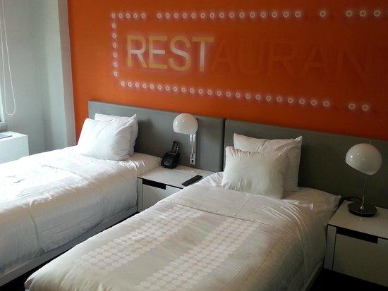 Row NYC Hotel : Quarto