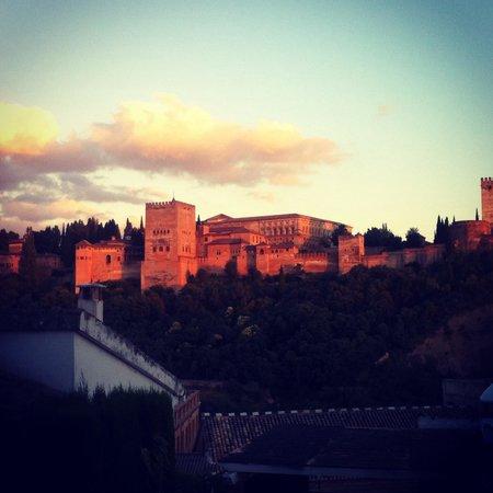 Carmen de Aben Humeya: Spectacular view of Alhambra