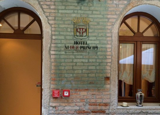 Hotel Ai Due Principi: Front of hotel