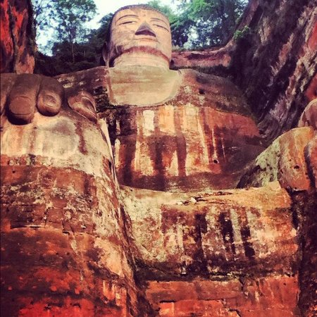 Leshan Giant Buddha (Da Fo) : Buddha from the bottom