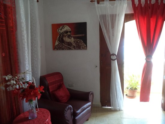 Hostal Los Balcones: living room