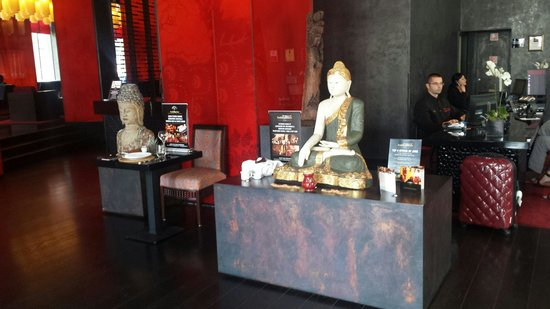 Buddha-Bar Hotel Budapest Klotild Palace: Reception
