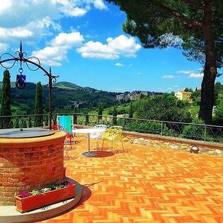 Podere Poggiluglio: Franco and gaetana's beautiful property