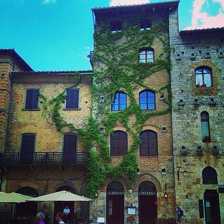 Podere Poggiluglio: San Gimignano