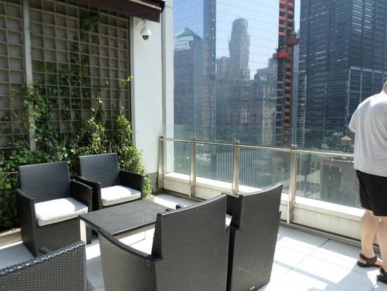 Club Quarters Hotel, World Trade Center: sun terrace @ hotel